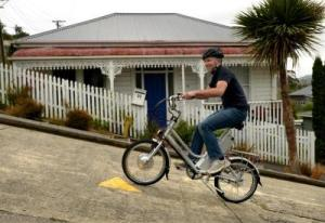 dunedin_avantiplus_bike_mechanic_mac_robertson_tes_50c1bb5ee3