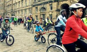 Bike blog :  Pedal on Parliament