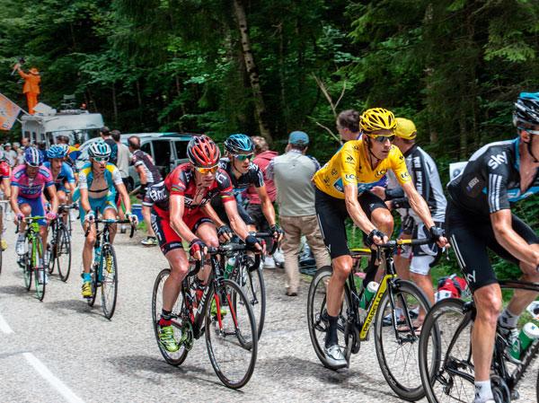 Tour-de-France-tussle