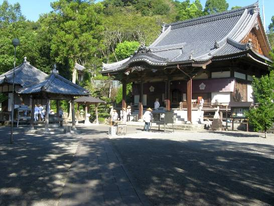 A typical rural O-Shikoku temple by Tony Gibb